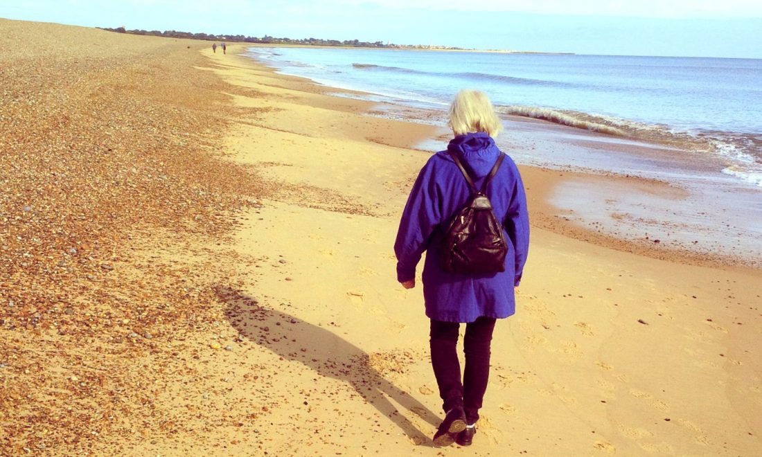 cropped-jackie-on-the-beach-suffolk-20151.jpg
